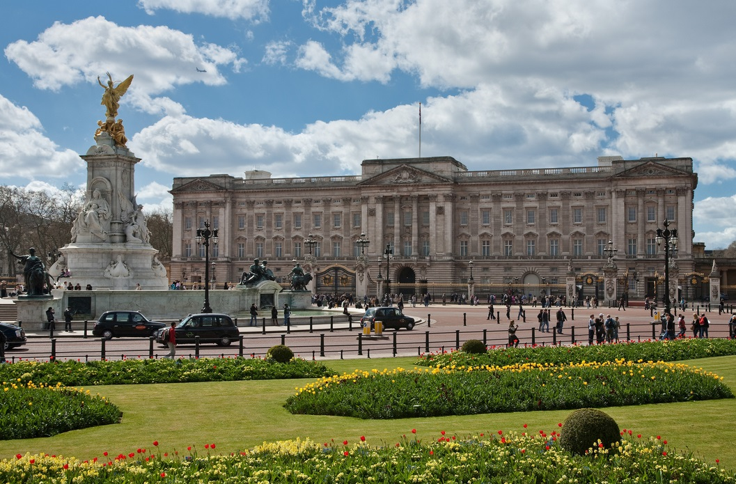 Букингемский дворец оценили почти в $2,5 млрд