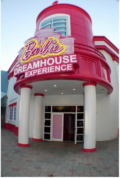 Во Флориде построили настоящий дом Барби
