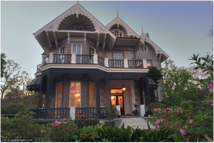 Sandra Bullock- New Orleans Gothic Mansion