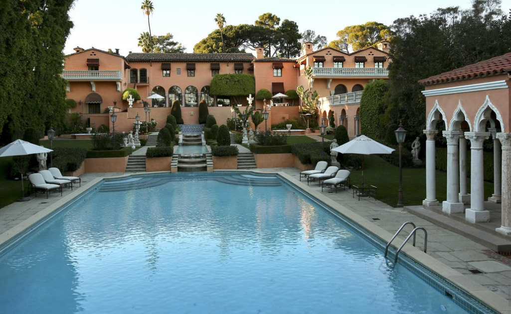 2. Beverly House