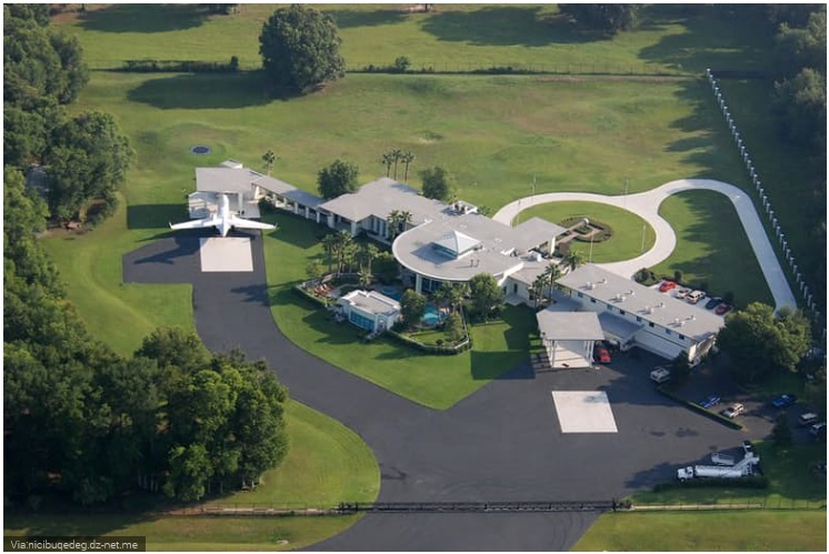 John Travolta- Fly-In Florida Home