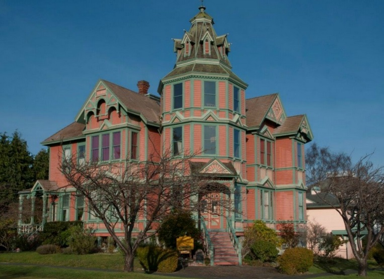 Американские дома с привидениями, выставленные на продажу
