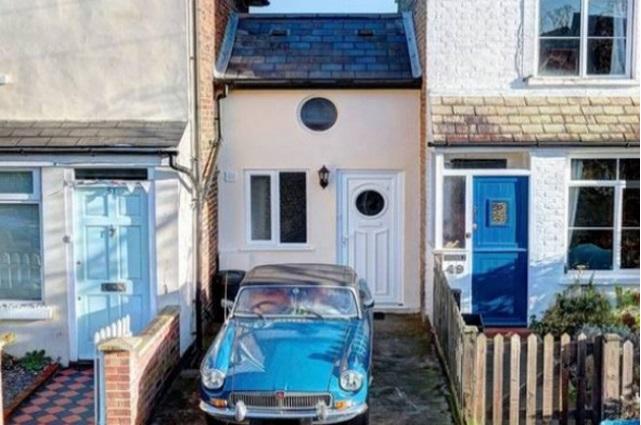 В Британии продается дом шириной 2,5 метра