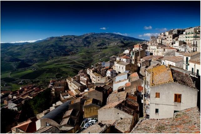 На Сицилии продается вилла за 1 евро