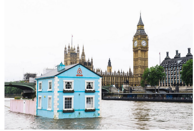 Stay In Airbnb's Floating Cottage On London's River Thames