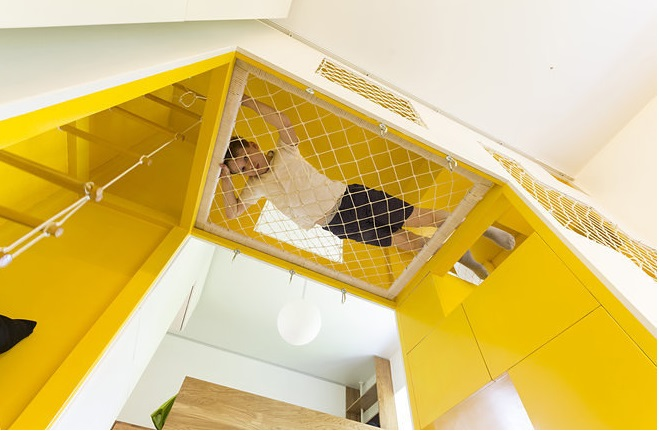 This Russian Apartment Has Its Own Indoor Playground_2