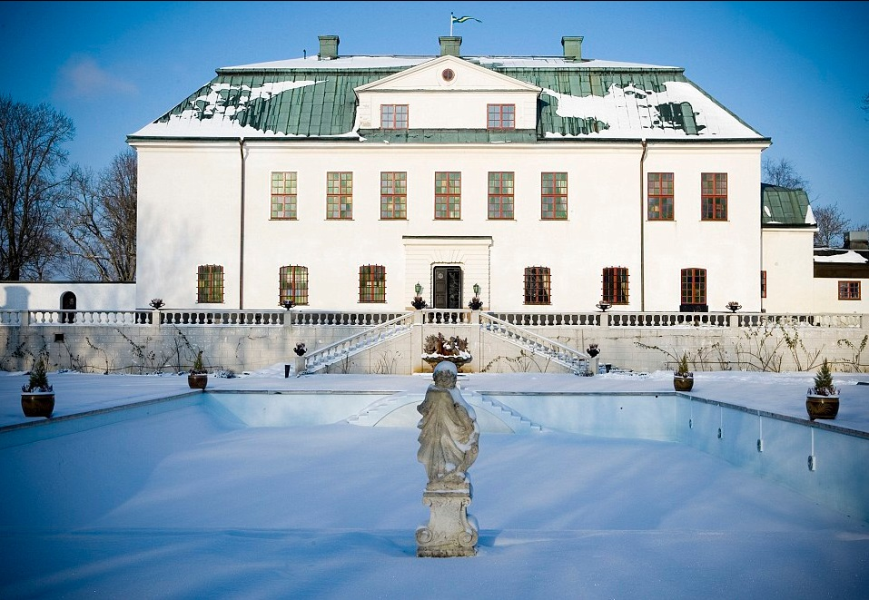 Thousand-year-old haunted Swedish palace that housed the royals and was visited by stars from Greta Garbo to David Guetta is expected to sell for £6.2million