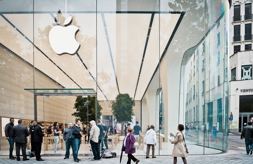 First Apple Store Designed Under Jony Ive Has Trees (!)_2