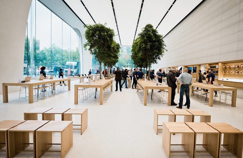 First Apple Store Designed Under Jony Ive Has Trees (!)_3