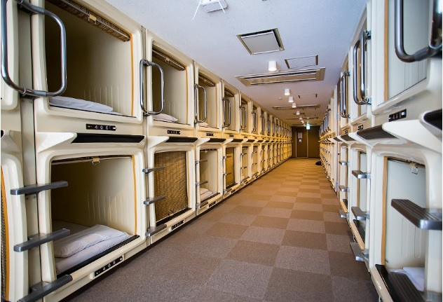 В Японии появились первые капсульные отели