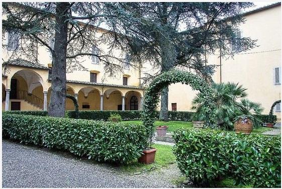 За 18 млн евро в Италии можно купить монастырь_3