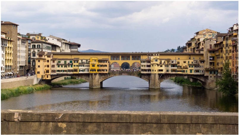 The Ponte Vecchio arch bridge in Florence