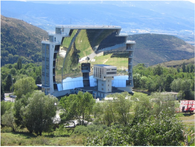 The world's largest solar furnace can be found in Odeillo, France