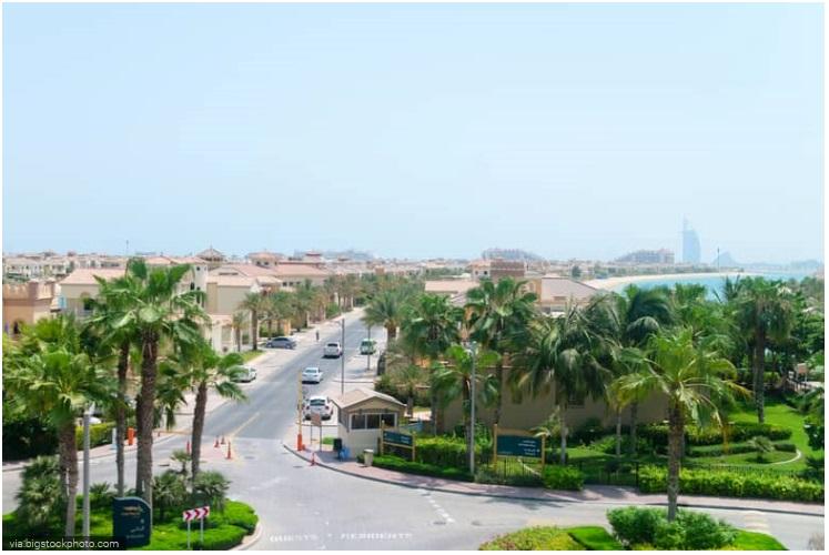 5 Bedroom Palm Jumeirah Frond P Villa, Dubai