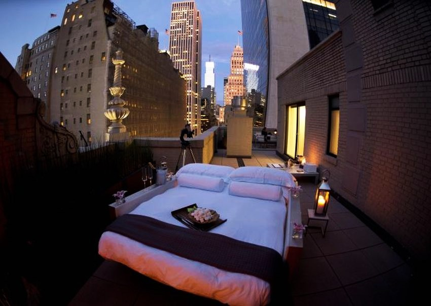 Most-Expensive-Outdoor-Bedroom-in-the-World-via