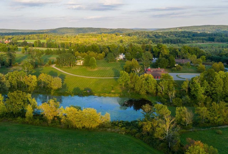 johnson-johnson-heiress-libet-johnson-lists-ny-horse-farm-for-28-5m30