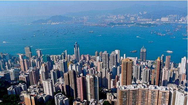 Hong Kong joins car parking craze